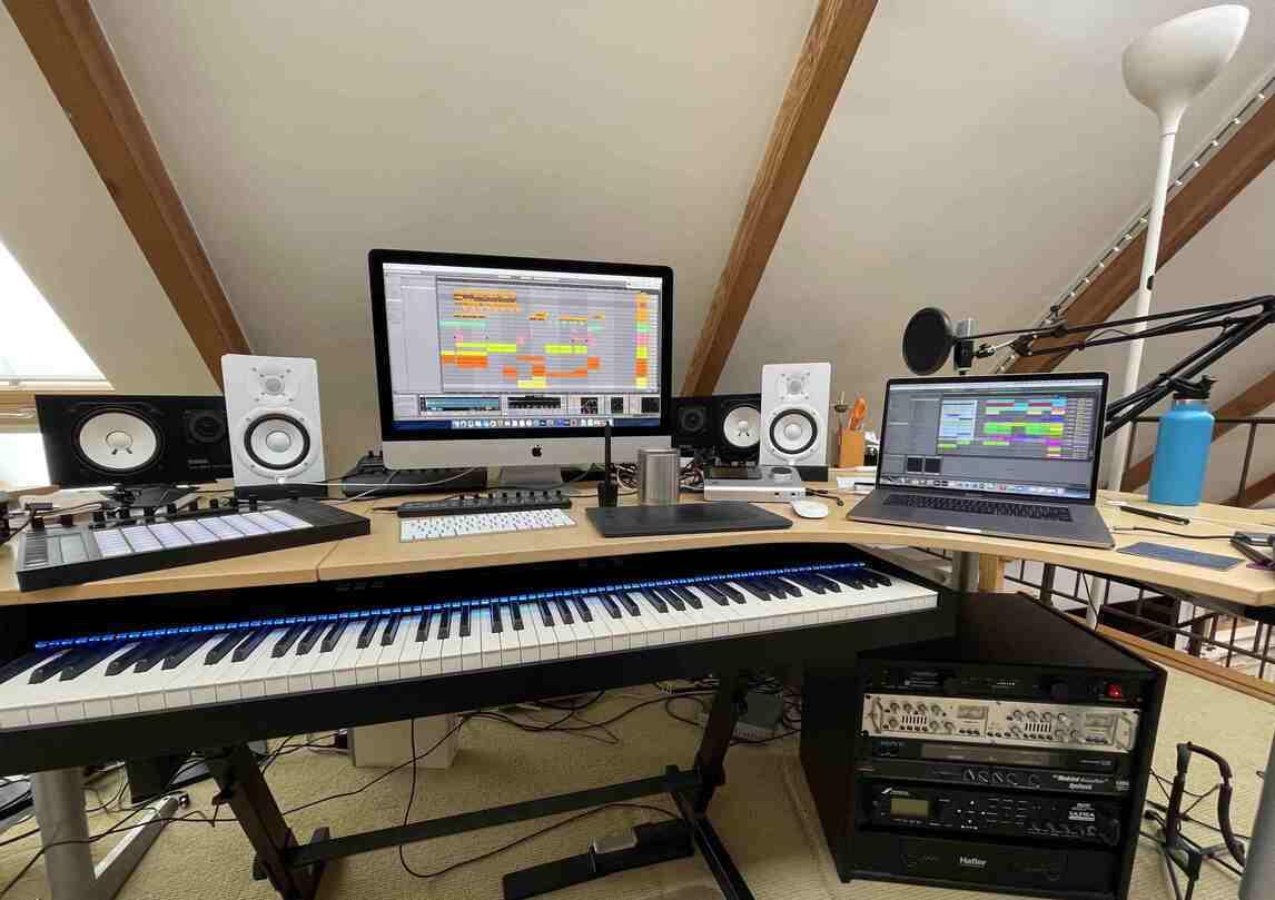 Music producer studio set up in Santa Monica